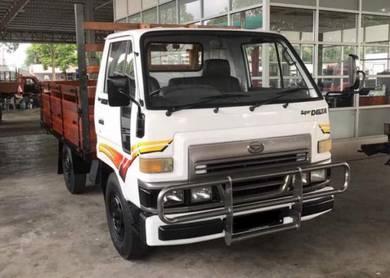 Daihatsu v58 new wooden body white colour truck