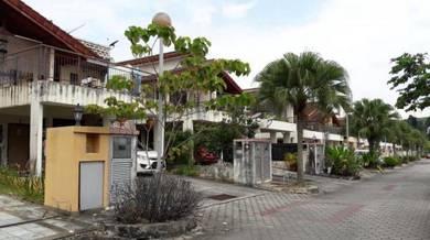 Townhouse Taman Equine, Bandar Putra Permai Seri Kembangan