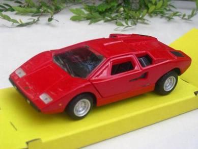 Maisto (11cm) Lamborghini Countach LP 400 Red