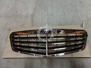 Mercedes-Benz W212 E-class Front Grille