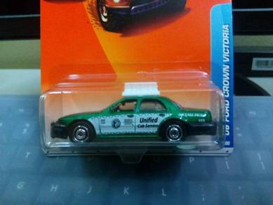 2010 Matchbox '06 Ford Crown Victoria Taxi