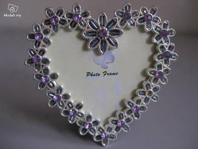 Love Shape Photoframe with Decorative Stone Beads