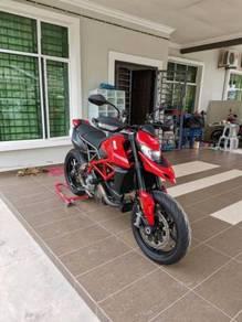 2019 Ducati Hypermotard 950 like new