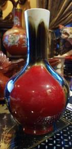 Chinese vintage red black porcelain vase SLG