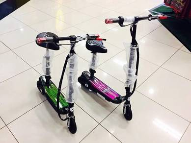 Electric Scooter wf Seat charging max load 80kg