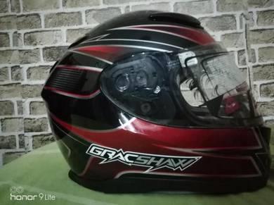 Helmet Gracshaw