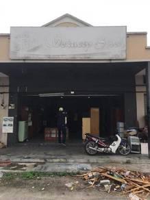 Bangunan Kedai Setingkat Taman Seri Kenangan, Titi Gantong