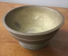Antique brass footed bowl tembaga