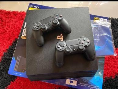 Ps4 Pro 1 tb tip.top condition