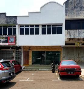 1.5storey shoplot tmn bukit jaya ulu tiram ( facing residence area)