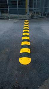 Rubber speed hump with cat eyes 500 mm
