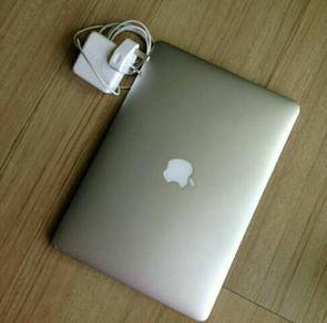 Macbook air 8gb,13inchs