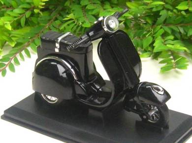 Table Lighter - Vespa Scooter Motorcycle (10cm)