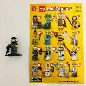 Lego Minifigures Series 10 Item no 9