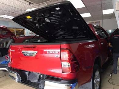Toyota hilux revo aeroklas cover box