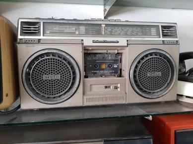 Vintage National Panasonic radio stereo model RX-5