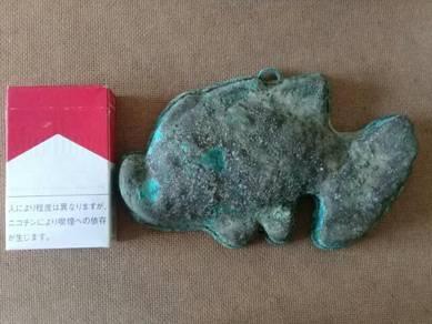 119 Antik acuan tembaga kuih bahulu ikan emas B