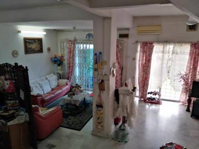 Ss1,,Kg Tunku house for quick sale