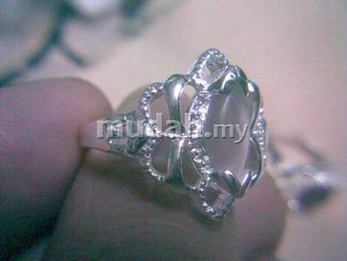 ABRS9-C009 Cat_s Eye CZ Bead Silver Ring - Lt Beac