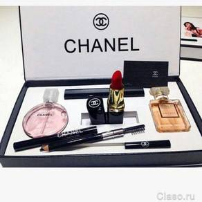 Chanel 5 In 1 Make-Up & Perfume Gift Set