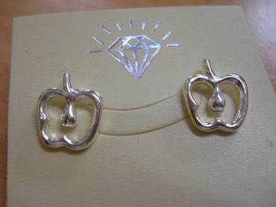E060 Vintage Apple Earrings