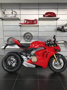 Ducati Panigale V4S : YEAR MADE 2021 OTR PRICE