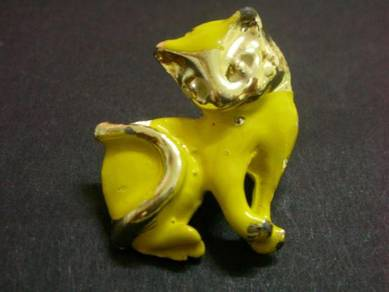 H019 Vintage Cat Brooch
