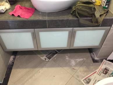 Aluminium (NA) durable rest room cabinet