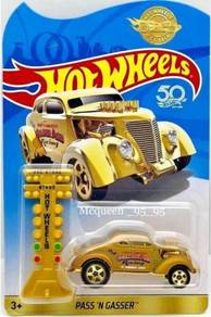 Hot Wheels Pass N Gasser - Gold Limited Edition