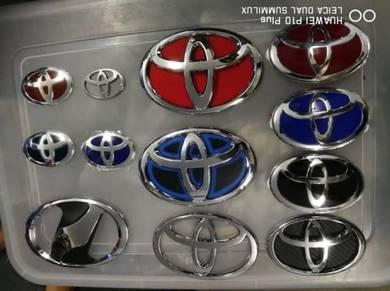 Toyota hybrid gold front rear steering emblem logo