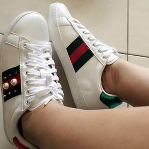 Gucci white shoe