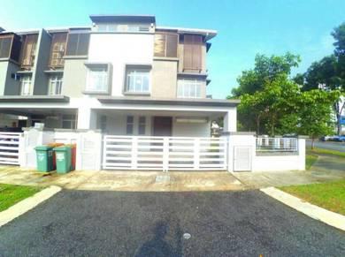 % FREEHOLD Corner Lot House Desiran Bayu Presint16 Putrajaya