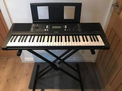 Yamaha PSR-E363 digital portable keyboard