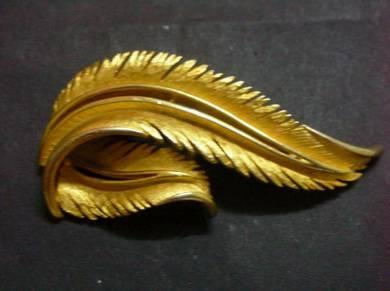H045 Vintage Leaf Brooch