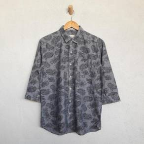 Natural story paisley chambray 3q shirt