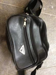 Belco pouch bag leather