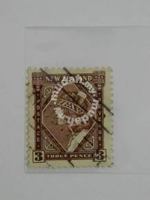 (RB 085) 1936 N.Zealand 3 Pence Old Stamp -Used