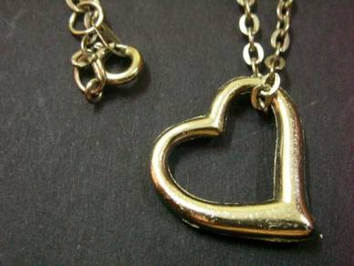 N021 Vintage love shape necklace pendant