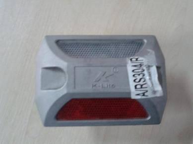 K-Lite aluminium road stud KT-304