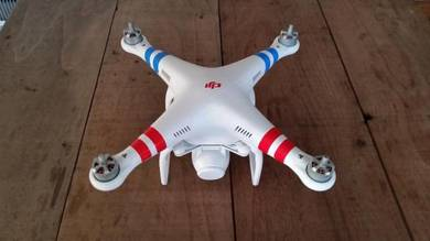 DJI Phantom 2 Vision QuadCopter Drone