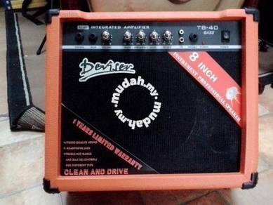 Bass Guitar Amplifier'' (TB40)
