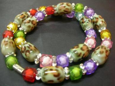 N033 Vintage colourful stone and crystal Necklace