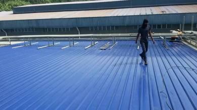 Khidmat memperbaiki bumbung bocor