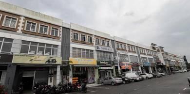 Taman Nusa Sentral 3 Storey Shop House - Full Loan, below market price