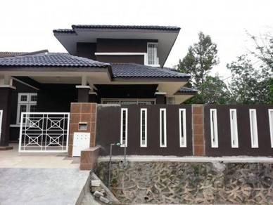 Lembah beringin 1.5 storey corner renovated