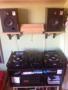 Djm 800 with flight case plus pioneer cdj 2000