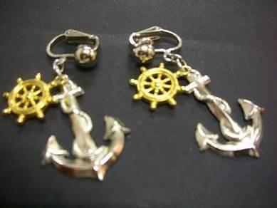 E010 Vintage Anchor Earrings