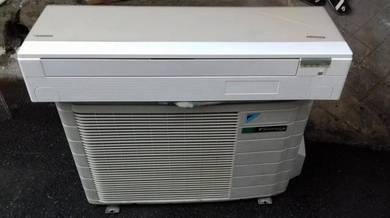 Air conditioner daikin inverter 1.5 hp