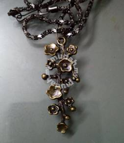 ABPB-B001 Bronze Branch Magnolia Chain Necklace