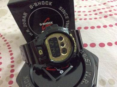 G shock limited edtion gloss gold back